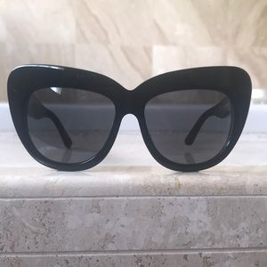 Black House of Harlow Sunglasses